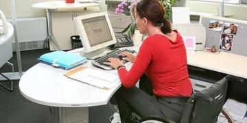 Trabajadora con discapacidad