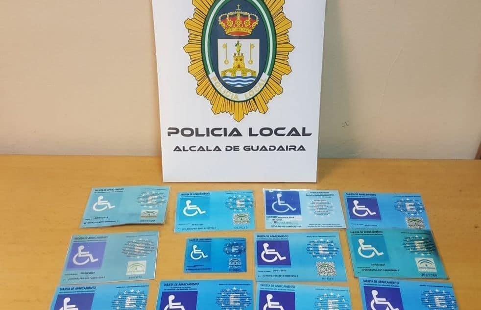Tarjetas intervenidas por la policia local de Alcalá de Guadaira