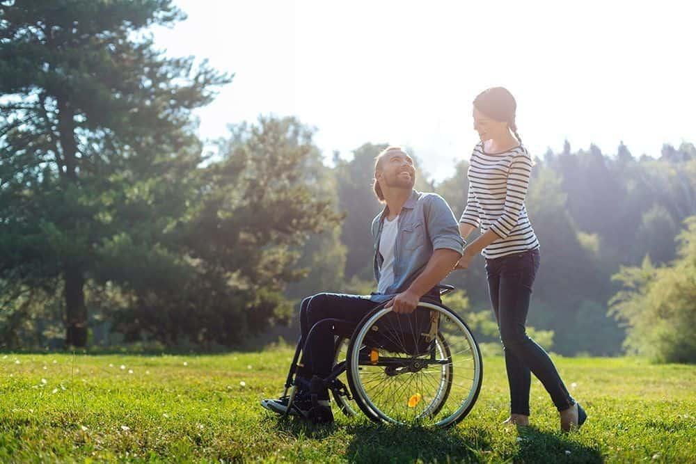 Persona en silla de ruedas - grado discapacidad