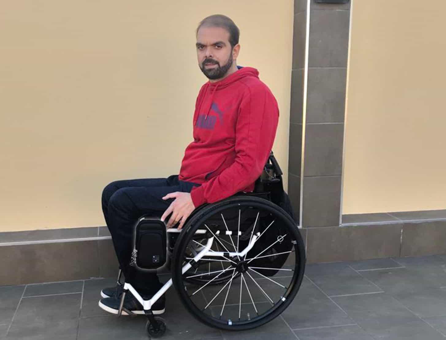 Accesorios para viajerxs en silla de ruedas