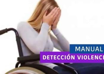 Mujer en silla de ruedas con cara tapada con las manos
