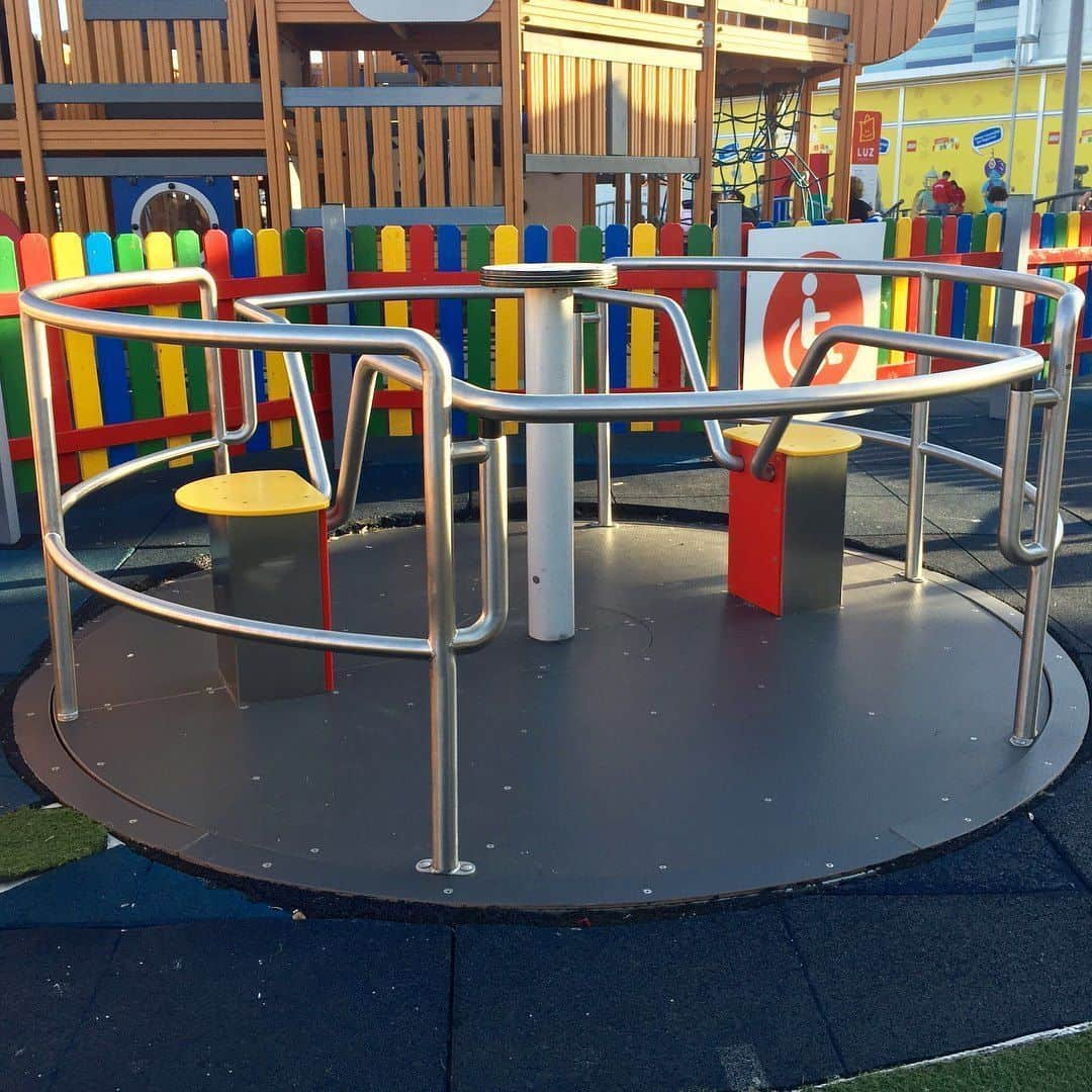 Parque infantil adaptado Luzshopping