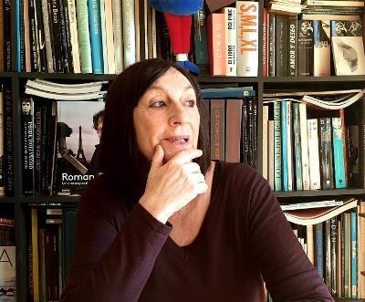 """Carmen Calvo, autora de """"Diversas mujeres diversas"""". Fuente: CERMI"""