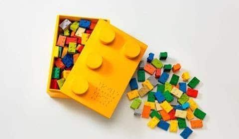 Pieza lego con identificación en braille