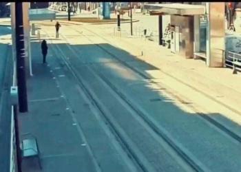 Una mujer ciega en las vías del metro de Granada | Policía Local Granada