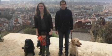 Nuria junto a Juanjo y su pequeño vikingo