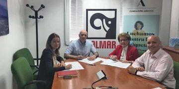 Firma del acuerdo entre Kalmar y Fundación Adecco
