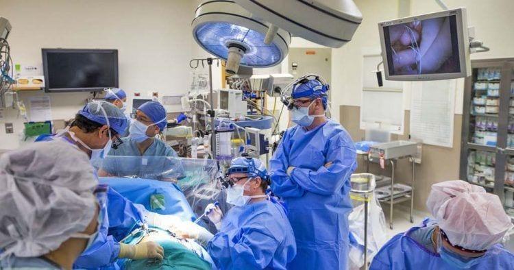 Queman por primera vez en España un tumor de páncreas