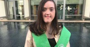 Blanca San Segundo, primera persona con síndrome de Down en conseguir un grado universitario en España | Foto de Down España
