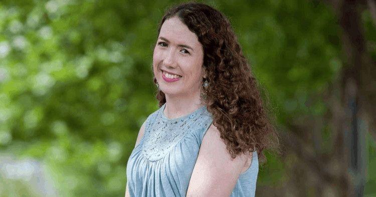 Daniela Aza tiene artrogriposis de nacimiento y a través de sus redes sociales busca eliminar el tabú existente sobre las relaciones sexuales entre personas con discapacidad