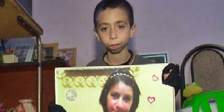 Gino ofrece sus ahorros para recuperar el móvil con las fotos de su madre fallecida