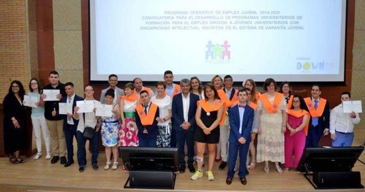 Jóvenes con discapacidad intelectual se gradúan por la Universidad de Almería