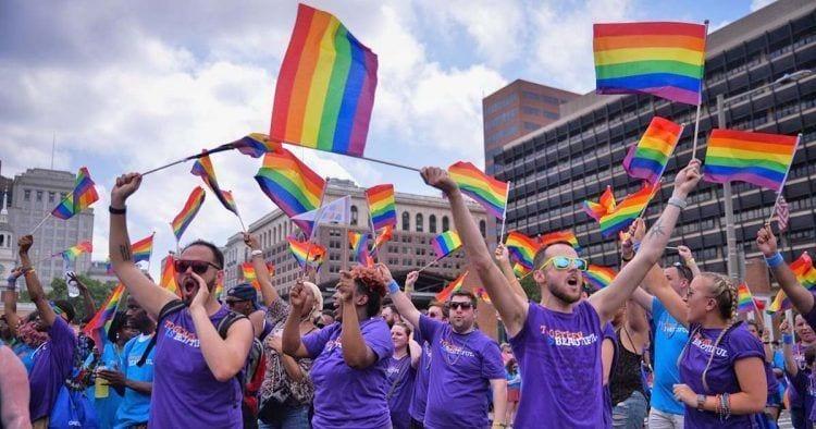 Desde 1696, el 28 de junio se celebra Día Internacional del Orgullo LGBT