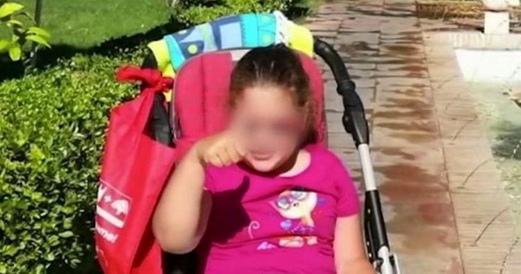 Roban una silla de ruedas a una niña de 10 años con discapacidad