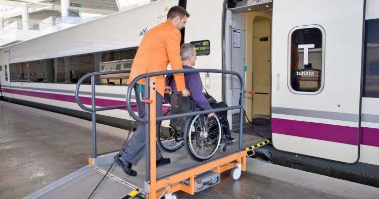 Renfe instalará un nuevo servicio atendo para viajeros con discapacidad