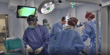 Realizan por primera vez una hepatectomía con cirugía robótica