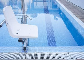 Silla piscina accesible