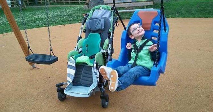 Discriminan a dos niños con discapacidad en una escuela de verano