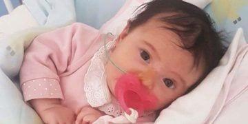 Matilde, la pequeña que tiene  atrofia muscular espinal de tipo 1