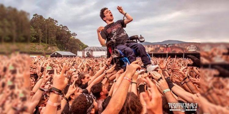 Un joven con parálisis cerebral, protagonista del Resurrection Fest | Foto de Daniel Cruz