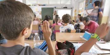 Quieren introducir el lengua de signos en centros educativos discapacidad