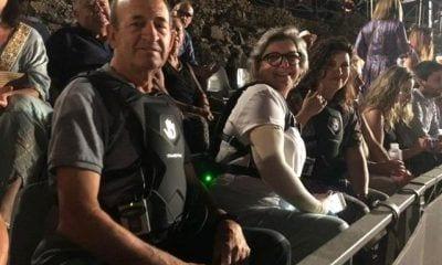 Discapacitados prueban las mochilas vibratorias del servicio de accesibilidad sensorial del Festival de MéridaFESTIVAL DE MÉRIDA