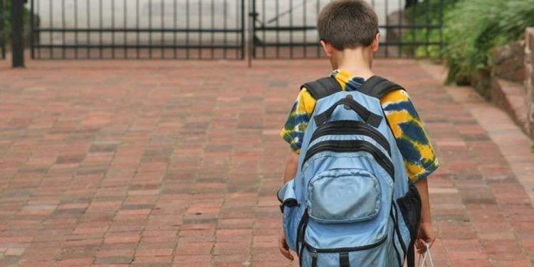 Expulsan a un niño con autismo de un campamento