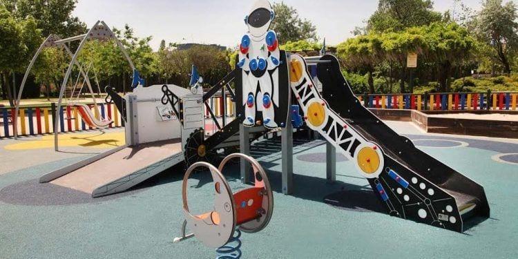 Parque infantil espacio de juego