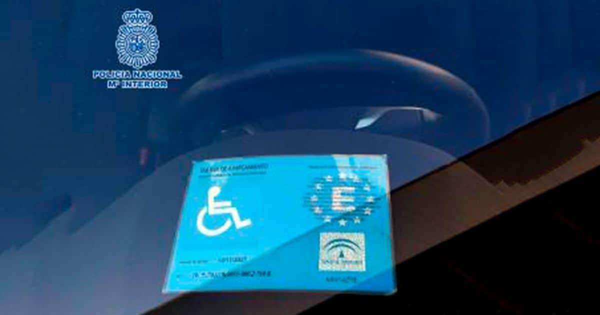 Tarjeta aparcamiento por