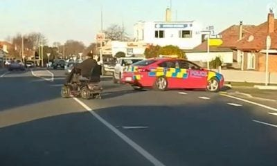 Anciano siendo perseguido por la policía