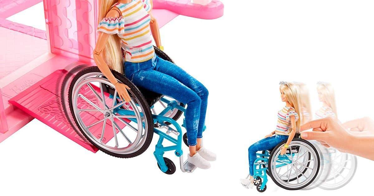barbie bajando rampa y empujado