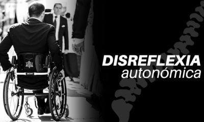 Usuario en silla de ruedas y la palabra disreflexia