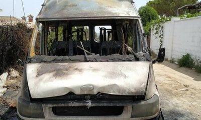 Estado de la furgoneta tras el incendio
