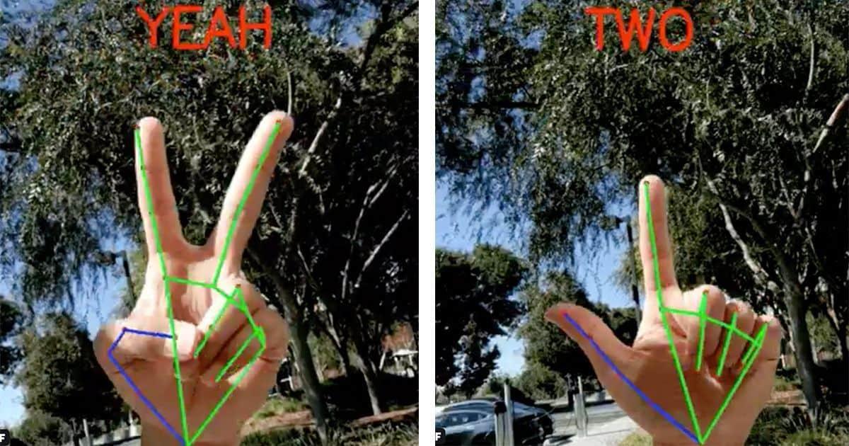 Manos y lineas en los dedos que detecta el movil