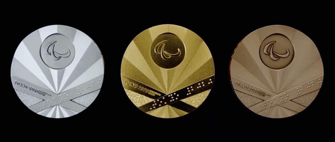 Las 3 medallas de frente