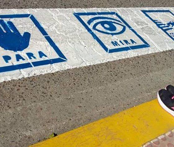 paso de peatones con pictogramas