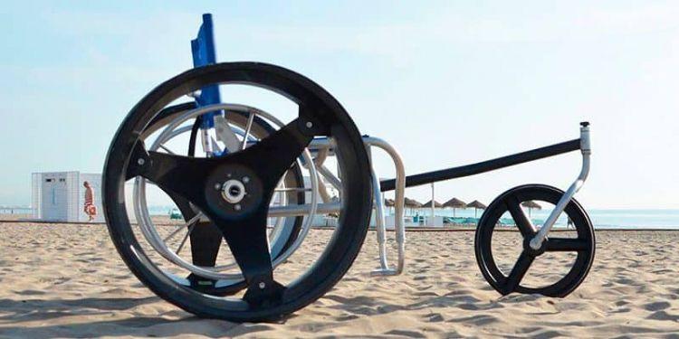 silla de ruedas para la playa con ruedas planas