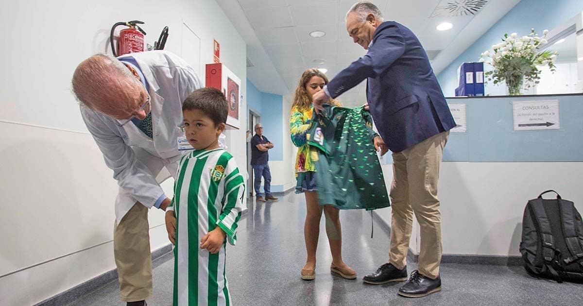 El Betis se suma a la campaña de Panenka  'Las batas más fuertes'