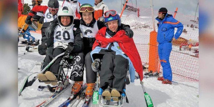 Blanca Fernández Ochoa con el equipo de Esquí & Snowboard Adaptado