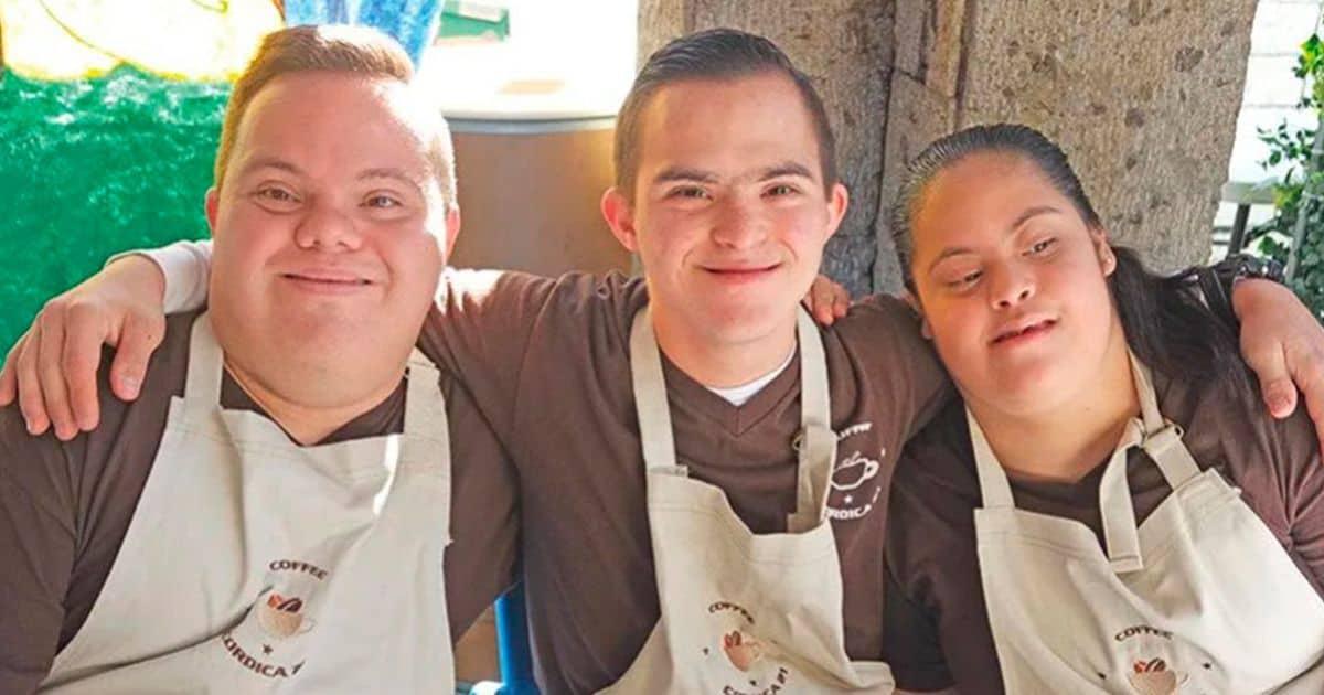 Trabajadores con síndrome de Down de la cafetería