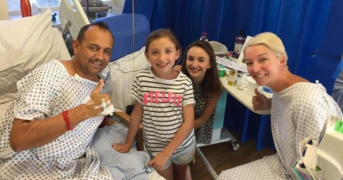La familia al completo tras la operación