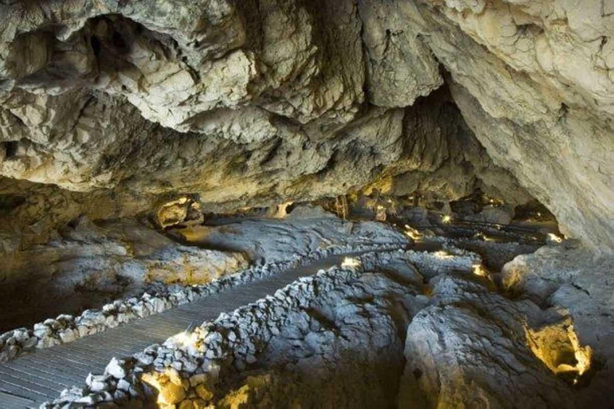 Cueva de las Ventanas Piñar