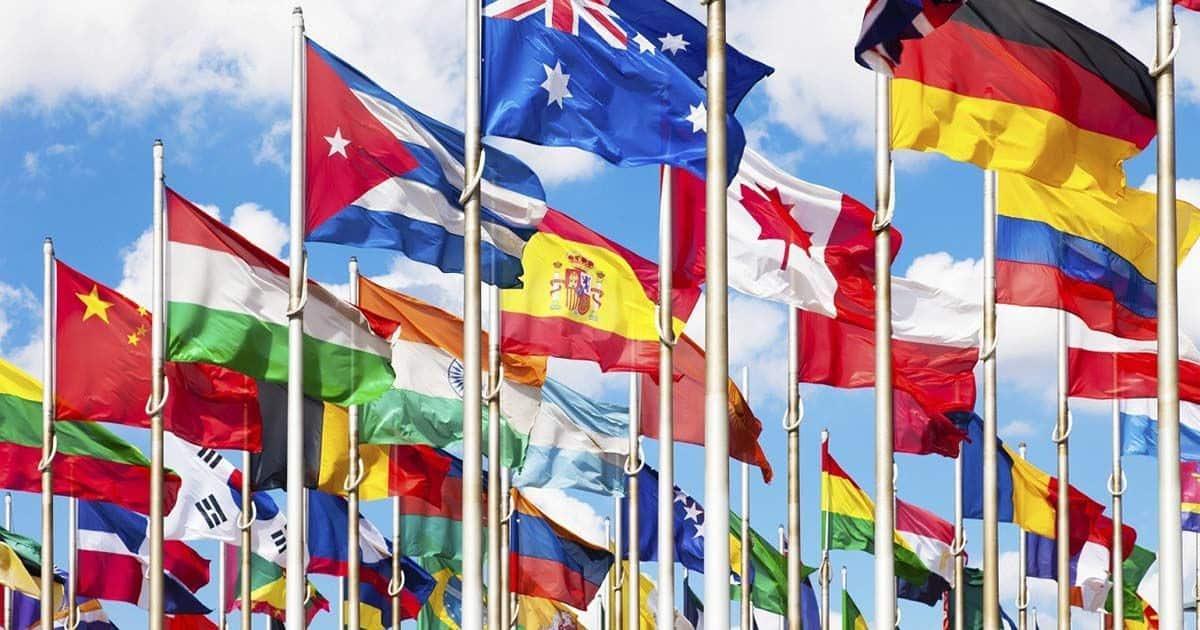 Banderas de algunos de los países miembros de la Organización de Naciones Unidas