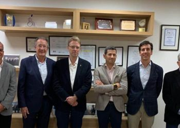 De izq a der. Sergio Pascual (UTCEE), Albert Campabadal (CEDDD), Ferran Bel (PDECAT), Cristian Rovira (CONACEE), Albert Campabadal Blanco (CEDDD) y Pere Forga (USO-FEUSOC)