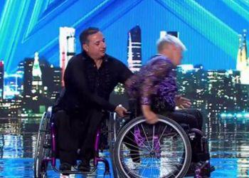 La pareja realizando su actuación en el concurso. Foto: Got Talent