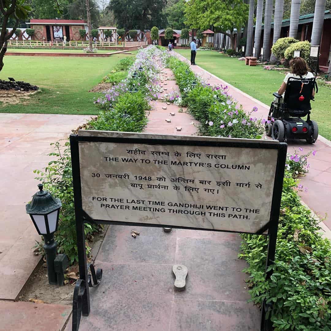Casa Museo de Gandhi en silla de ruedas.