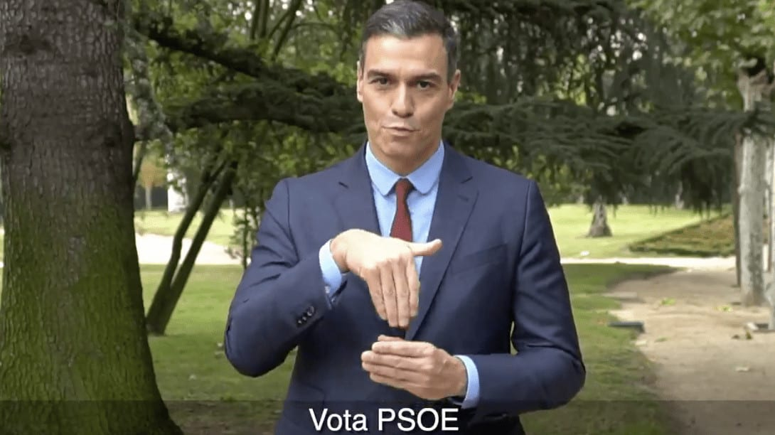 Pedro Sánchez interpretando en lengua de signos