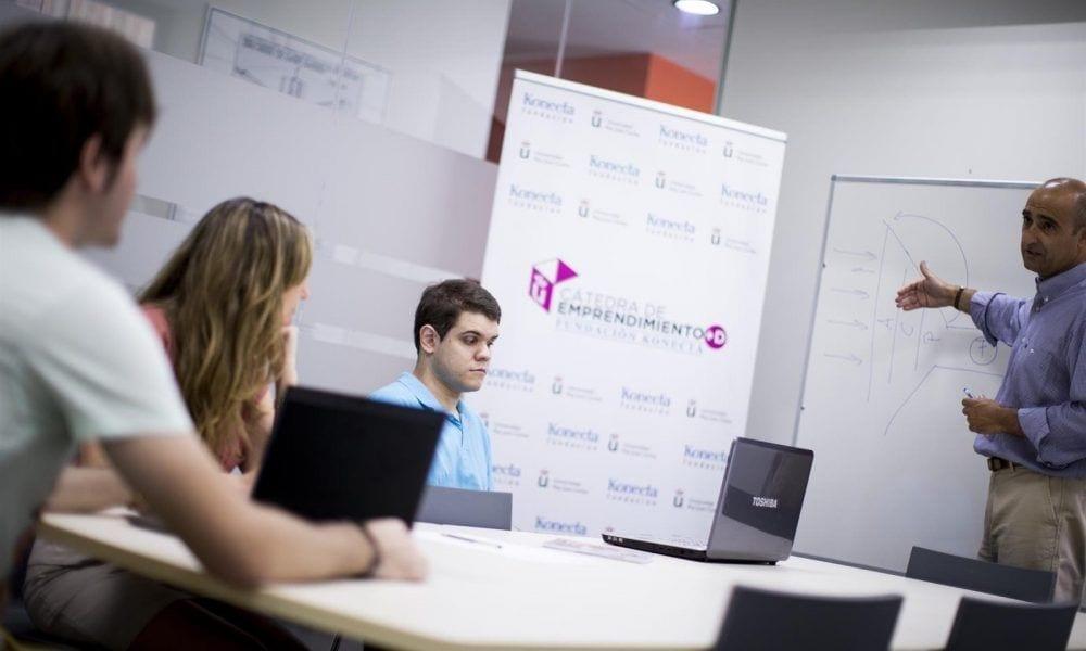 Estudiante con discapacidad Cátedra de Investigación Fundación Konecta-URJC. - JAVIERVALEIRO