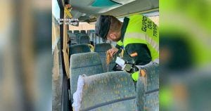 Guardia Civil en el autobús