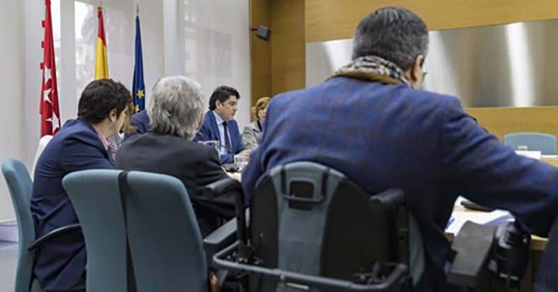 Representantes en la mesa de la Comisión   Madrid